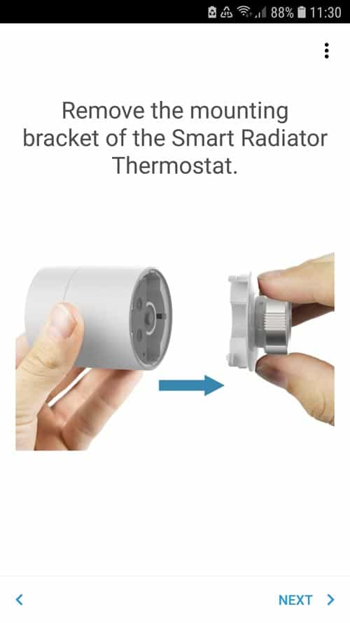 Removing the mounting bracket from the tado° thermostat
